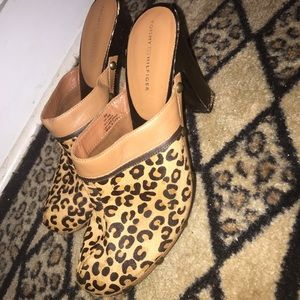 Tommy Hilfiger leopard claws